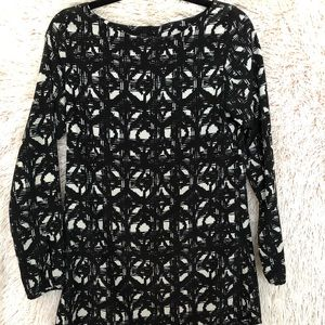 PATTERNED SHIFT DRESS WITH LONG SLEEVES